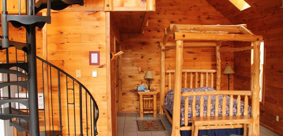 Missouri Treehouse Cabins - Family Vacations - Romantic Getaways