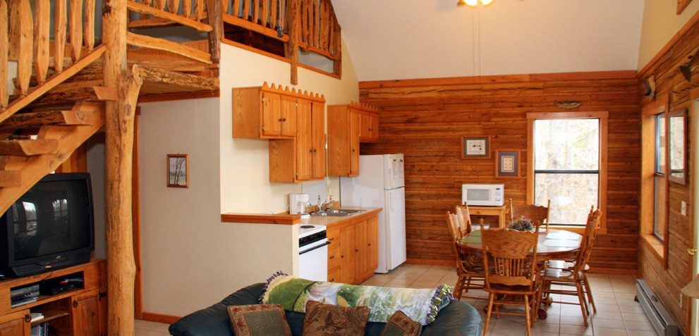 tubs rentals hot hottub bunkhouse in missouri whiteowl tub bear cabins the creek with branson lodge cabin