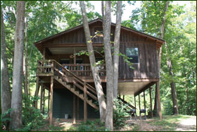 Missouri treehouse cabin vacation