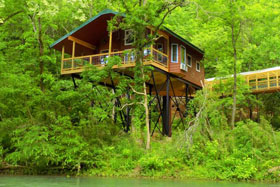 Missouri romantic honeymoon anniversary cabin