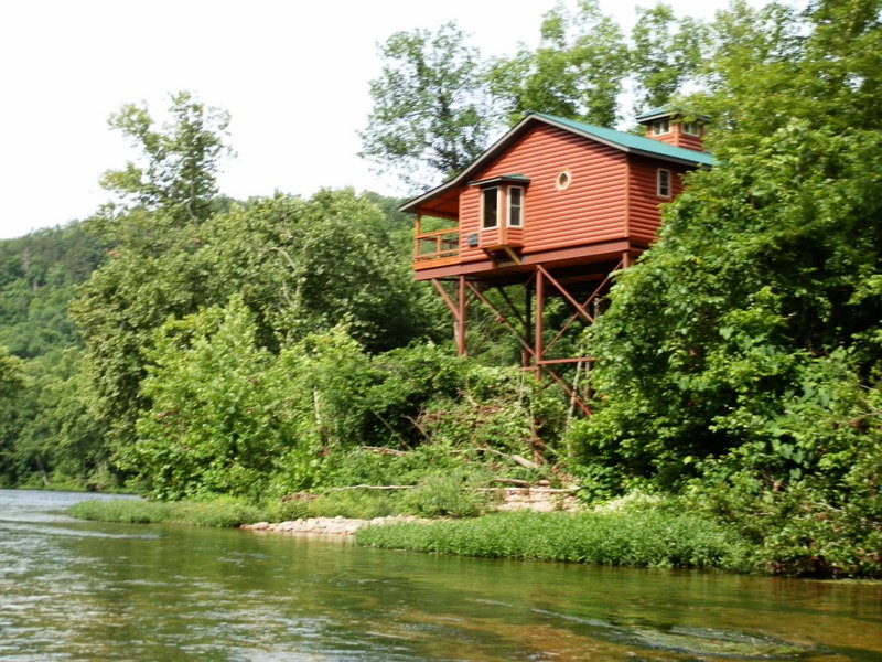 River Lighthouse Missouri Treehouse Cabin Family Vacation