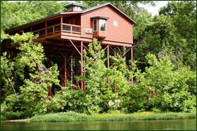 Missouri treehouse cabin river lighthouse