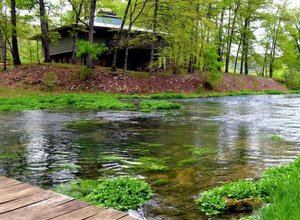 Missouri fly fishing lodge North Fork River