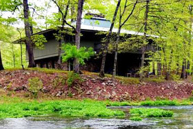 Missouri family vacation flyfishing lodge