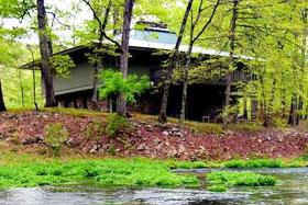 Missouri family vacation flyfishing lodge