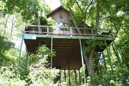 Missouri Treehouse Cabin vacation flyfishing
