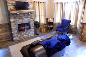 Missouri romantic honeymoon anniversary cabin