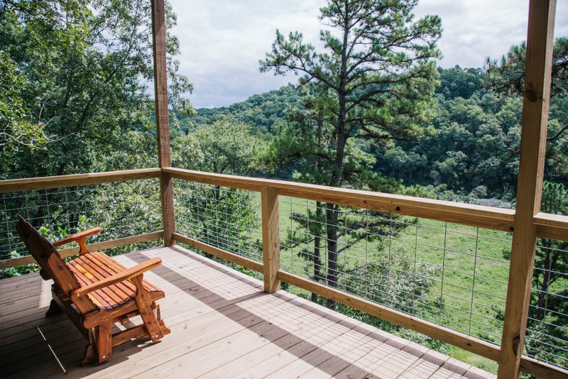 Missouri Treehouse Cabin Redbud Family Vacation