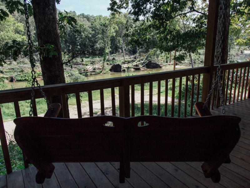 Missouri Romantic Tree House Cabin White Oak