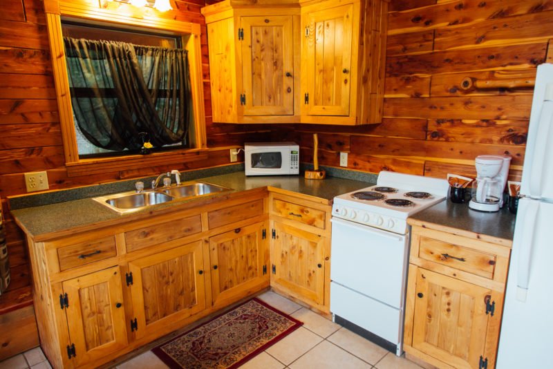 Missouri Romantic Treehouse Cabin Cedar Chest