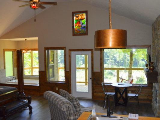 Missouri Romantic Getaway Treehouse Cabin The Hideaway