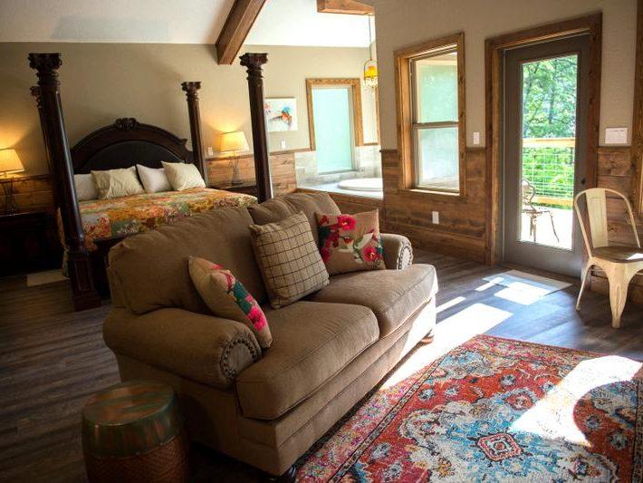 River Rose Treehouse Cabin Missouri Honeymoon Anniversary