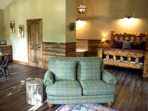 Missouri romantic honeymoon Grapevine Cabin
