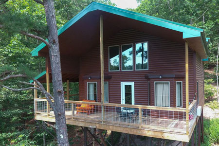 Missouri Treehouse Cabin Family Vacation Redbud