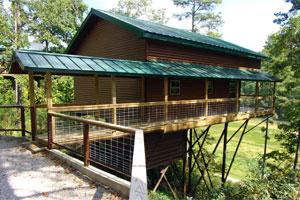 Missouri Family Vacation treehouse cabin Wisteria