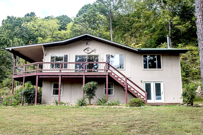 Missouri Family Vacation Lodge on North Fork River