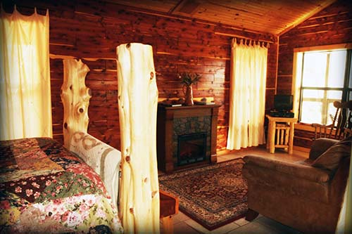 Whispering Pines treehouse cabin
